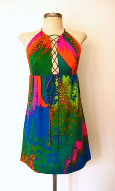 ♫ It's the Time of the Season . . . ♫  FESTIVAL FIRECRACKER ✸ 1960s Psychedelic Mini Dress by Lolavintage.com