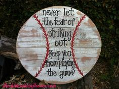 Use Pallet Wood Projects to Create Unique Home Decor Items – Hobby Is My Life Pallet Crafts, Pallet Art, Diy Pallet Projects, Wood Crafts, Wood Projects, Diy Crafts, Pallet Fence, Wreath Crafts, Baseball Signs