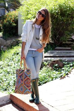 22 Super Chic Ways to Wear Rainy Boots:Pretty Designs waysify
