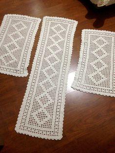 Ripple Rainforest Scarf pattern by Ellie from Hook Yarn Carabiner Crochet Table Topper, Crochet Table Runner Pattern, Free Crochet Doily Patterns, Crochet Designs, Crochet Doilies, Cotton Crochet, Crochet Trim, Filet Crochet, Hand Crochet