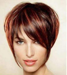 Corte de chica en pelo corto y mechas cobres sobre base marrón