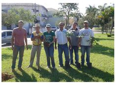 Vereadores participam de plantio de mudas da árvores http://www.passosmgonline.com/index.php/2014-01-22-23-07-47/regiao/3875-vereadores-participam-de-plantio-de-mudas-da-arvores