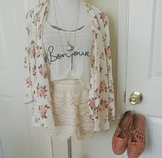 Summer style. Easy look with some floral, lace, browns and loose tank.. what more could a girl want!