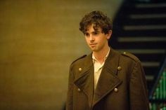 His curly hair!!!! Aaarrrggghhhh!!!