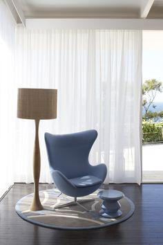 Egg chair - pale blue - perfect Danish design x Modern Curtains, Diy Curtains, Curtains With Blinds, Ikea Chair, Egg Chair, Palm Beach, Curtain Pelmet, Home Furniture, Furniture Design
