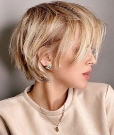 100 Mind-Blowing Short Hairstyles for Fine Hair Haircuts For Thin Fine Hair, Short Shaggy Haircuts, Short Hairstyles Fine, Short Thin Hair, Short Hair With Layers, Hairstyles With Bangs, Summer Hairstyles, Cool Hairstyles, Shaggy Pixie