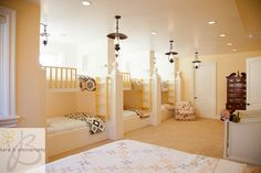 Amazing bunk room! If i had that many kids yes!!! Maybe I should make it a mamas night out slumber party room