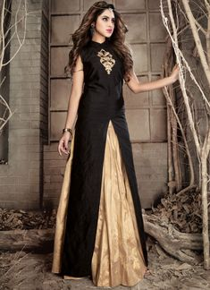 Order now beautified black front cut patch worked designer aline dress online. This lehenga type art silk salwar suit set comes with chinese collared neckline. Full sleeves, embroidery & patch work are accomplishing it for function. Designer Suits Online, Designer Wear, Designer Dresses, Lehenga Choli Designs, Indian Dresses Online, Dress Online, Party Kleidung, Silk Lehenga, Lehenga Suit