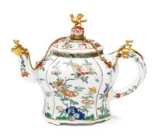 A Chinese Export porcelain famille-verte teapot and cover with Dutch gilt-metal mounts, Kangxi period, early