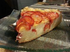 Cheesecake cu căpșuni și migdale la Boutique du Pain