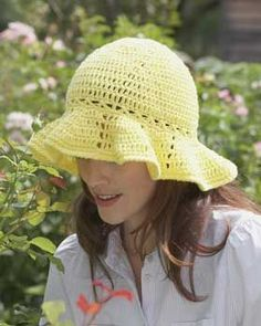 makes a hat that's perfect for the garden or the beach!.