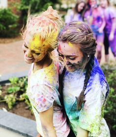 color run | friends | summer | blonde / brunette | fun | topknot & braids