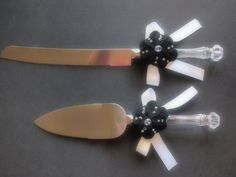 Cake Knife Server Set Black White Chrysanthemum flower #wedding by ArtisanFeltStudio on Etsy, $25.00