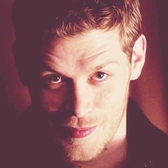 Welcome to Klaus Mikaelson Daily, celebrating Klaus Mikaelson, the Original hybrid, and the marvelously talented Joseph Morgan. Klaus From Vampire Diaries, Vampire Diaries The Originals, Joseph Morgan, Morgan Evans, The Mikaelsons, Stranger Things Funny, Daniel Gillies, Aesthetic Pictures, Aesthetic Gif