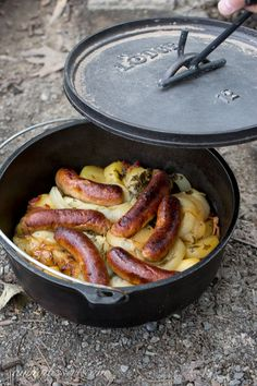36 Make-Ahead Camping Recipes for Easy Meal Planning Dublin Coddle – a traditional Irish dish made with potatoes, sausage and bacon, which is then slowly cooked in a delicious stew www. Cast Iron Cooking, Oven Cooking, Cooking Recipes, Cooking Light, Cooking Ideas, Open Fire Cooking, Cooking Courses, Cooking Bacon, Skillet Recipes