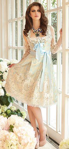 Ophelia Blaimer - Couture - Couture - Garden of Eden - Blue Bell