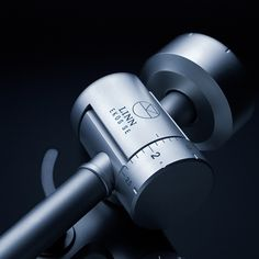 Setting a new performance benchmark, Linn's Ekos SE tonearm features advanced materials carefully selected for their sound performance and low resonance properties, meaning you'll hear even more from your vinyl collection.