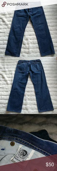 """Men's DIESEL Jeans Sz 34 Authentic men's Diesel denim jeans size 34. EUC. Medium wash. 100% Cotton. Measures: Inseam;  28.5"""" Outseam;  37.5"""" Rise;  10"""" Leg Opening laid flat; 9"""" Diesel Jeans Straight Leg"""