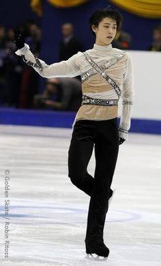 Yuzuru Hanyu I really like that top!