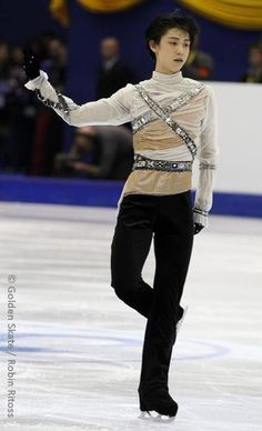 Yuzuru Hanyu I really like that top!
