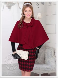 Dabuwawa Red Wine Bow Accent Cape
