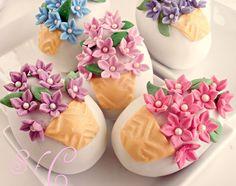 Sugar flowers Creations:  αυγά kinder με ζαχαροπαστα
