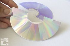 Me and My DIY: How to separate the layers of a DVD http://www.craftster.org/forum/index.php?topic=8959.0