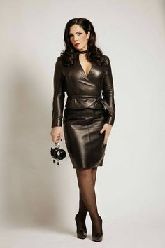 """svenandjulie: ""Madame Kyra "" A beautiful suit on a beautiful Lady. Helen and william "" Black Leather Skirts, Leather Dresses, Leather Heels, Mode Latex, Look Fashion, Womens Fashion, Leder Outfits, Beautiful Suit, Latex Dress"