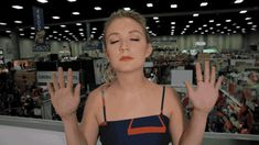 Trending GIF reactions scream queens comic con thank you billie lourd blessed bless up billie catherine lourd Billie Lourd, Billie Catherine Lourd, Carrie Fisher Daughter, Lieutenant Connix, Mary Watson, Ahs Cult, Star Wars Icons, Star Wars Sequel Trilogy, The Secret