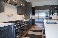 Explore the winners and entrants in the Thermador Kitchen Design Challenge, and glean inspiration from exceptional designers across the country. Kitchen And Bath Gallery, Custom Builders, Home Inc, Custom Homes, Kitchen Design, Kitchen Ideas, Kitchen Cabinets, Challenges, Interior