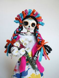 Browse unique items from LaCasaRoja on Etsy, a global marketplace of handmade, vintage and creative goods. Day Of The Dead Party, Day Of The Dead Skull, Fabric Dolls, Paper Dolls, Art Dolls, Holidays To Mexico, Mexico Culture, Arte Popular, Mexican Art