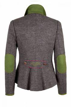 trachtenjacke damen - Google-Suche                                                                                                                                                                                 More Plaid Fashion, Autumn Fashion, Fashion Outfits, Womens Fashion, German Costume, Dress With Shawl, Dirndl Dress, Diy Mode, Weekend Style