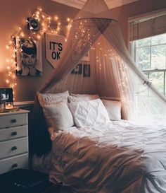 8 DIY Canopies Perfect For Your Dorm - Society19
