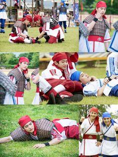 """El hermoso elenco de """"Hwarang"""" toma un descanso en imágenes detrás de cámaras via @soompi"""