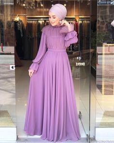 Abaya Fashion, Muslim Fashion, Girls Fashion Clothes, Fashion Dresses, Hijabi Gowns, Hijab Dress Party, Robes D'occasion, Hijab Fashionista, Abaya Designs