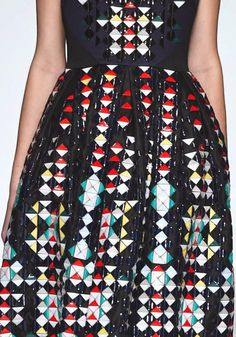 patternprints journal: PRINTS, PATTERNS AND SURFACES FROM LONDON FASHION WEEK (WOMAN COLLECTIONS SPRING/SUMMER 2015) / Holly Fulton