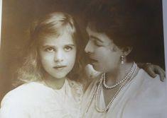 Noblesse et Royautés: Princess Ingrid with her mother Crown Princess Margaret of Sweden (born Princess Margaret of Connaught) Princess Estelle, Princess Margaret, Adele, Sweden History, King Queen Princess, Royal Video, Kingdom Of Sweden, Ingrid, Swedish Royalty