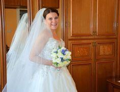 Per Federica un abito da sposa con corpino ricamato. www.momentisposi.it #weddingdress