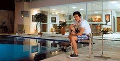 Luan Santana abre sua mansão - Ídolo sertanejo abre mansão e confessa que sonha se casar