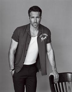 Ryan Reynolds on his Deadpool Obsession, Meeting Blake Lively, and His New Film, 'Life' Ryan Deadpool, Ryan Reynolds Deadpool, Chris Williams, Blake Lively, Portrait Studio, Men Photoshoot, Kino Film, Party Animals, Gq Men