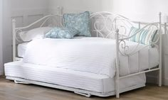 I really love and want this bed.