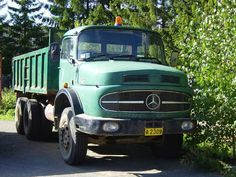 Where can I find free pictures of antique or classic semi trucks ? - Google Search