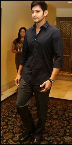 Mahesh Babu Wallpapers, Vintage Bollywood, Artists For Kids, Actor Photo, Births, Hollywood Star, Super Star, Indian Celebrities, Bollywood Actors