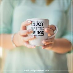 How is your Sunday going? Anna, Coffee Break, Madrid, Sunday, Mugs, Tableware, Instagram Posts, Spring, Domingo