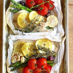 www.sizzlefish.com  White fish in parchment paper with all the goods! An easy and healthy way to make lunch! 📷 via @bucknakedpaleo _ Head to our website: www.sizzlefish.com to order your perfectly portioned fish and shellfish today! Don't forget! Free shipping on all
