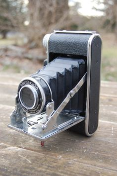 Vintage Foldex 20 Folding Bellows Camera I would like another, loved that camera Folding Camera, Vintage Cameras, Vintage Love, Gentleman, Lens, Rings For Men, Gadgets, Old Things, Hipster