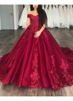 Red wedding dress lace applique wedding dress off shoulder wedding dress wine red party dress off shoulder evening dress tulle homecoming short dress - shuiruyan Blue Ball Gowns, Tulle Ball Gown, Ball Gowns Prom, Ball Gown Dresses, Pageant Gowns, Off Shoulder Evening Dress, Off Shoulder Wedding Dress, Long Sleeve Evening Dresses, Wedding Dress Types