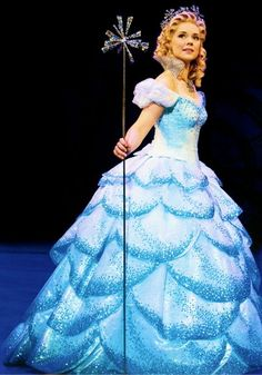 Gina Beck - Glinda (West End) Wicked the musical. Glinda Costume, Wicked Costumes, Broadway Costumes, Theatre Costumes, Halloween Costumes, Wicked Musical, Musical Theatre Broadway, Broadway Wicked, Glinda The Good Witch