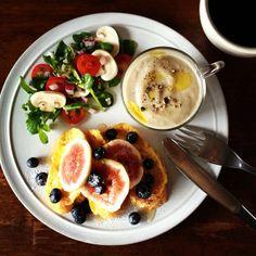 Kei Yamazaki @keiyamazaki Instagram photos | Webstagram Good Morning Breakfast, Breakfast For Dinner, Breakfast Recipes, B12 Foods, Plate Lunch, Balanced Meals, Food Trays, Food Combining, Food Plating