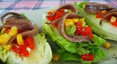 Cogollos con anchoas Food And Drink, Menu, Roasted Red Peppers, Vinegar, Sweets, Lettuce, Vegetables Garden, Fruit, Candy Corn